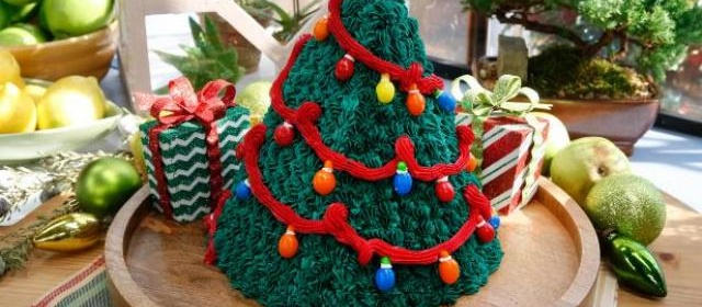 Christmas Tree Surprise Cake Recipe | Food Network