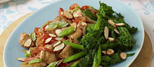 Chicken With Peppers, Broccolini, and Basil