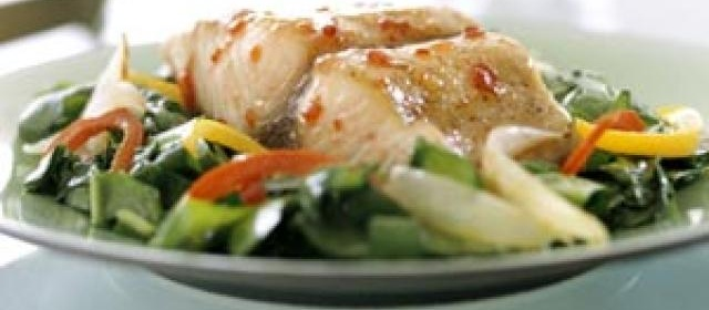 Fish Fillets with Baby Spinach, Red Pepper, and Onion Wedges