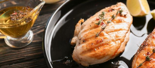 Spicy Peach-Glazed Grilled Chicken