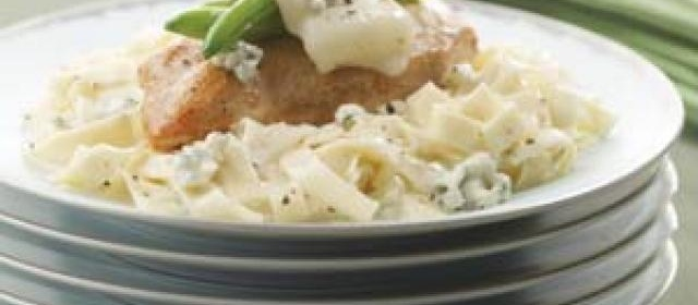 Chicken & Green Beans with Alfredo-Blue Cheese Pasta Recipe ...