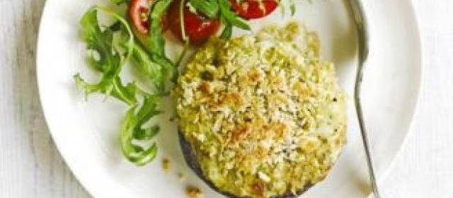 Crunchy pesto & mozzarella baked mushrooms