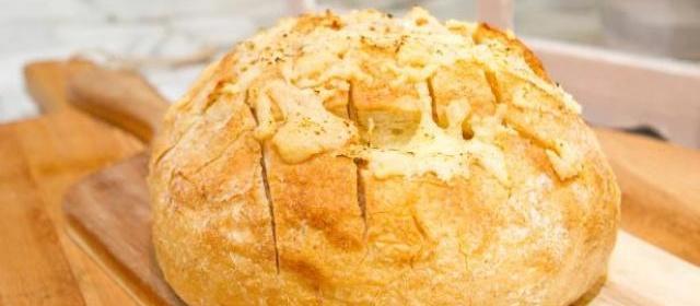 Tear-Away Cheesy Bread Recipe