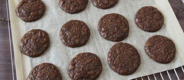 4-Ingredient Fudge Crinkles