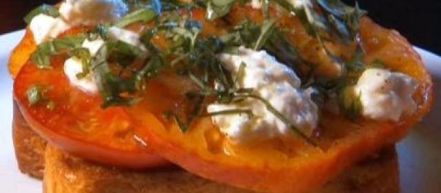 Texas Tomato Toast with Roasted Garlic Spread and Homemade ...