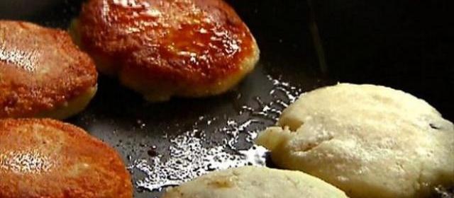 Potato Cakes with Mozzarella and Pesto Recipe