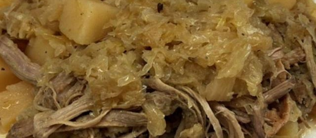 Slow Cooker Pork and Sauerkraut