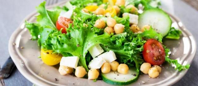 Chopped Chickpeas Greek Salad
