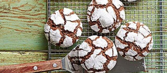 Chocolate-Mint Snow-Top Cookies