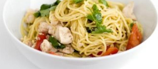 Sweet & sticky chicken noodles