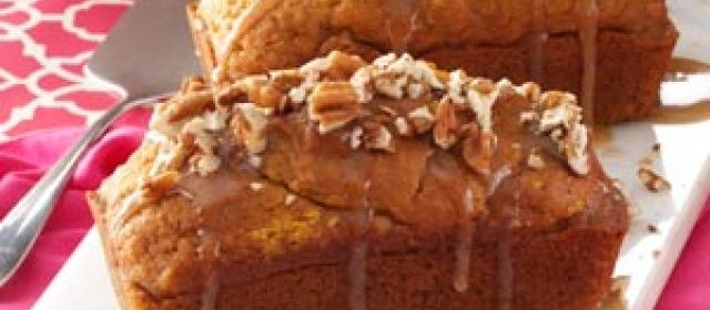 Mini Pumpkin Cakes with Praline Sauce
