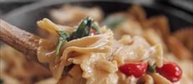 Giada's Fettuccine Alfredo Videos