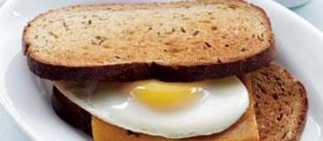 Sharp Cheddar & Egg on Rye