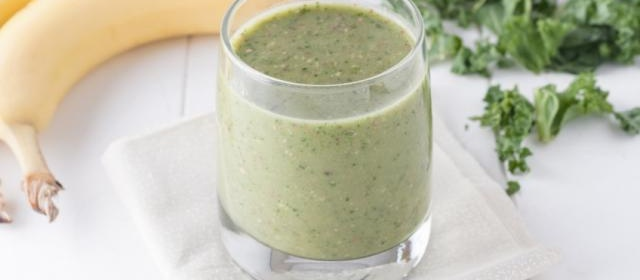 Kale, Almond, Banana Smoothie with Chia Seeds