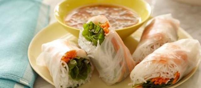 Soft Asian Summer Rolls with Sweet and Savory Dipping Sauce ...