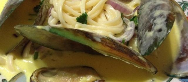 Mussels in Curry Cream Sauce