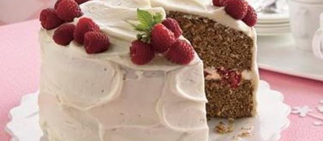 Spice Cake with Raspberry Filling and Cream Cheese Frosting ...