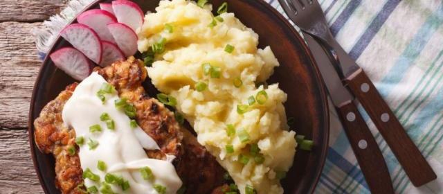 Chicken-Fried Steak with Peppered Gravy