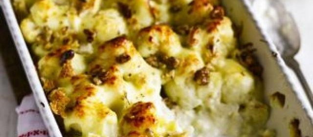 Cauliflower cheese with walnuts & crumbs