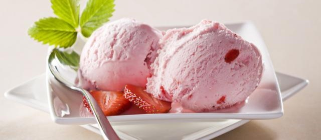 Strawberries and Cream Frozen Mousse