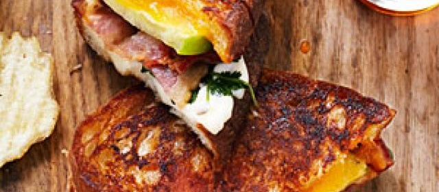 Tomatillo Grilled Cheese and Bacon Sandwiches Recipe ...