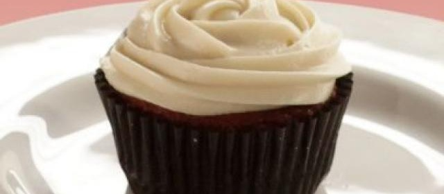 Red Velvet Cupcakes with Almond Cream Cheese Frosting Recipe ...