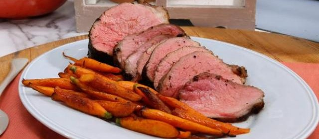 Porcini-Rubbed Roast Beef Recipe | Jeff Mauro | Food Network