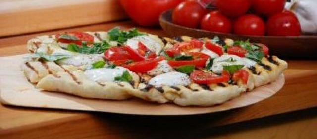 Bobby Flay's Margherita Pizza
