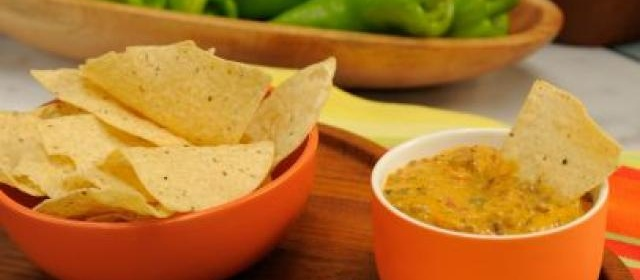 Slow-Cooker Chile Con Queso