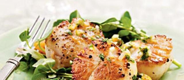 Seared Sea Scallops with Satsuma, Parsley, and Shallot Salsa Recipe