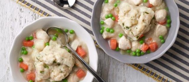 Chicken and Dumplings Recipe | Rachael Ray | Food Network