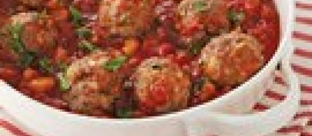 Slow-Cooker Meatballs in Tomato Chutney